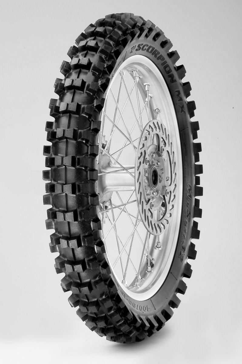 Моторезина задняя Pirelli 1664600 SCORPION MX MID-SOFT 32 MINI  размер 90/100 R14 для мотоциклов